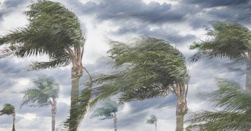 https: img-k.okeinfo.net content 2019 01 25 519 2009141 angin-puting-beliung-rusak-sejumlah-rumah-warga-di-trenggalek-BH8VqFZsO4.jpg