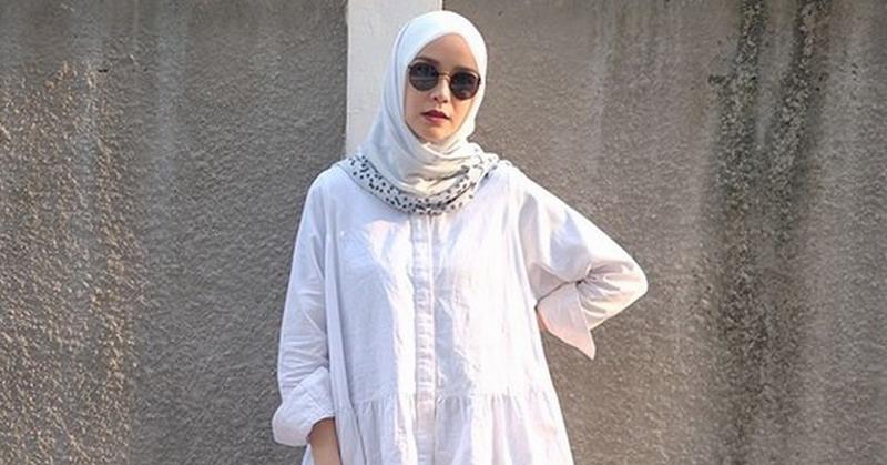 https: img-k.okeinfo.net content 2019 01 29 33 2010942 mantap-berhijrah-3-selebriti-ini-buka-online-shop-pakaian-muslim-wzf2HBoLVN.jpg