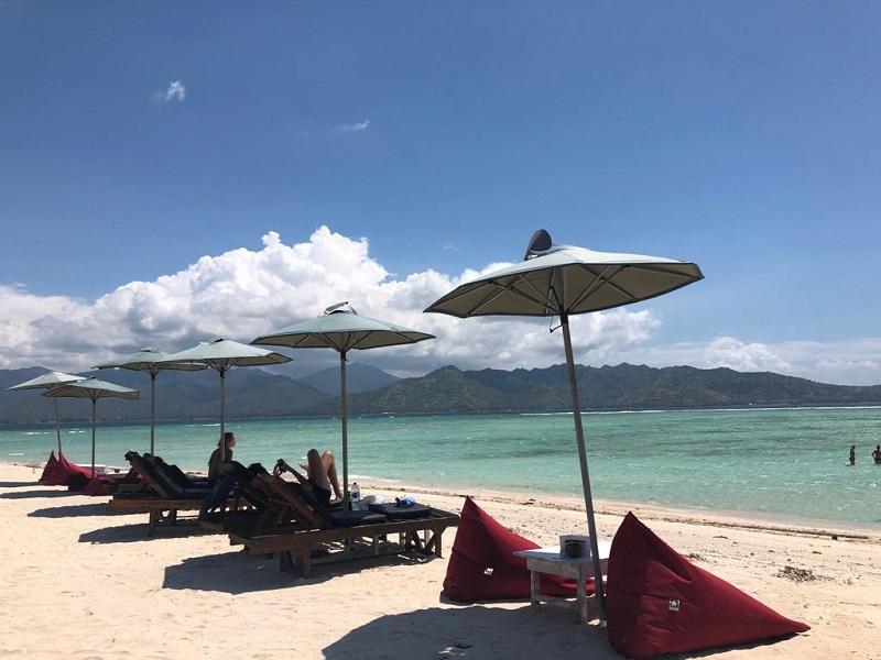 https: img-k.okeinfo.net content 2019 02 01 406 2012475 kalahkan-thailand-dan-singapura-indonesia-peringkat-ke-6-negara-terindah-di-dunia-T2KkWotYiX.jfif