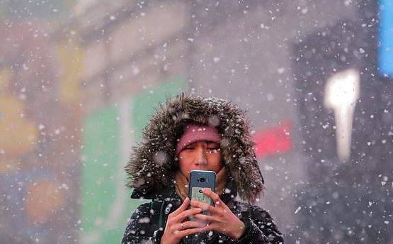 https: img-k.okeinfo.net content 2019 02 01 56 2012327 suhu-dingin-bikin-mati-ponsel-pintar-ini-penjelasannya-xlWlI1E23D.jpg