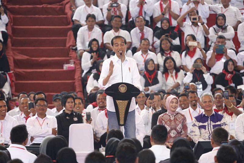 https: img-k.okeinfo.net content 2019 02 03 320 2013246 presiden-jokowi-indonesia-stop-impor-jagung-3-6-juta-ton-dan-ekspor-380-ribu-ton-v1xXmf8RpU.jpg