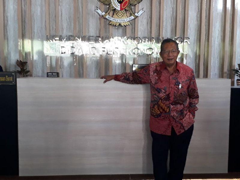 https: img-k.okeinfo.net content 2019 02 06 320 2014296 menko-darmin-akui-sistem-logistik-indonesia-masih-kalah-dengan-malaysia-JbplgV9FSH.jpg