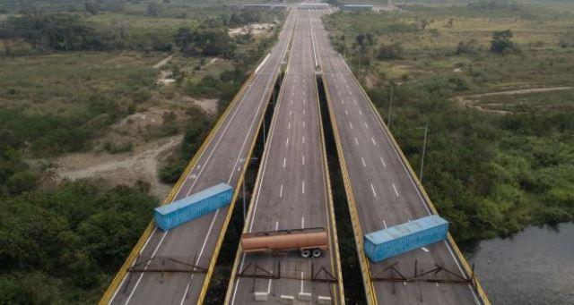 https: img-k.okeinfo.net content 2019 02 07 18 2015077 cegah-bantuan-kemanusiaan-tentara-venezuela-blokir-perbatasan-zhRycUxKzH.jpg