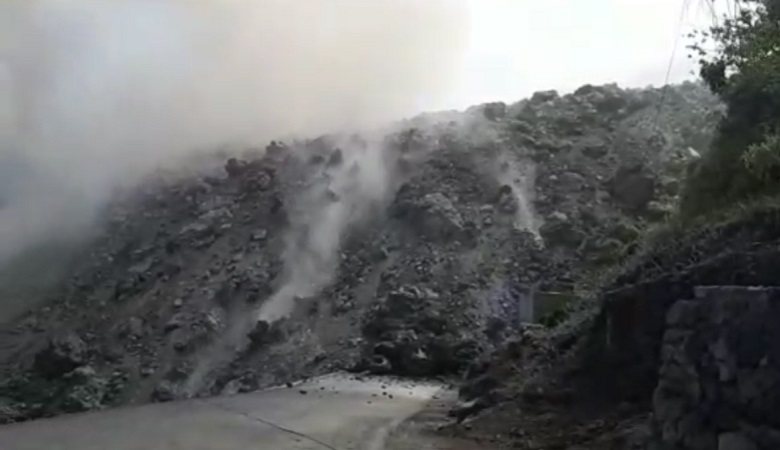 https: img-k.okeinfo.net content 2019 02 07 340 2014883 lava-gunung-karangetang-mengalir-sampai-ke-laut-ChGaNxz5Tl.jpg