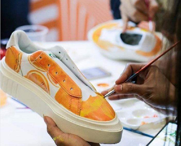 https: img-k.okeinfo.net content 2019 02 08 194 2015568 tren-sepatu-custom-ini-alasan-banyak-orang-rela-bayar-mahal-cYSoLsRROx.jpg