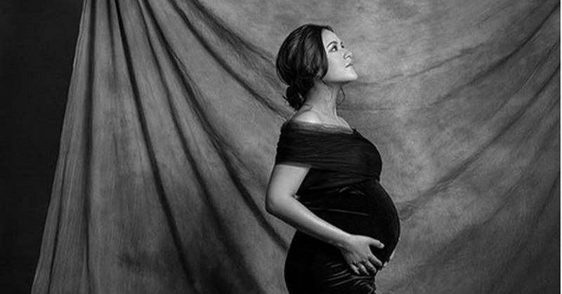 https: img-k.okeinfo.net content 2019 02 08 33 2015141 intip-potret-cantiknya-raisa-saat-foto-maternity-RCm8WNhIOW.jpg