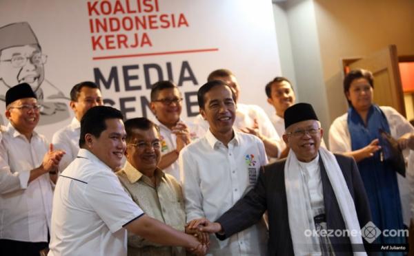 https: img-k.okeinfo.net content 2019 02 10 605 2015928 dukung-jokowi-ma-ruf-seniman-indonesia-gelar-pameran-lukisan-lintas-generasi-FcLfmKPbBT.jpg