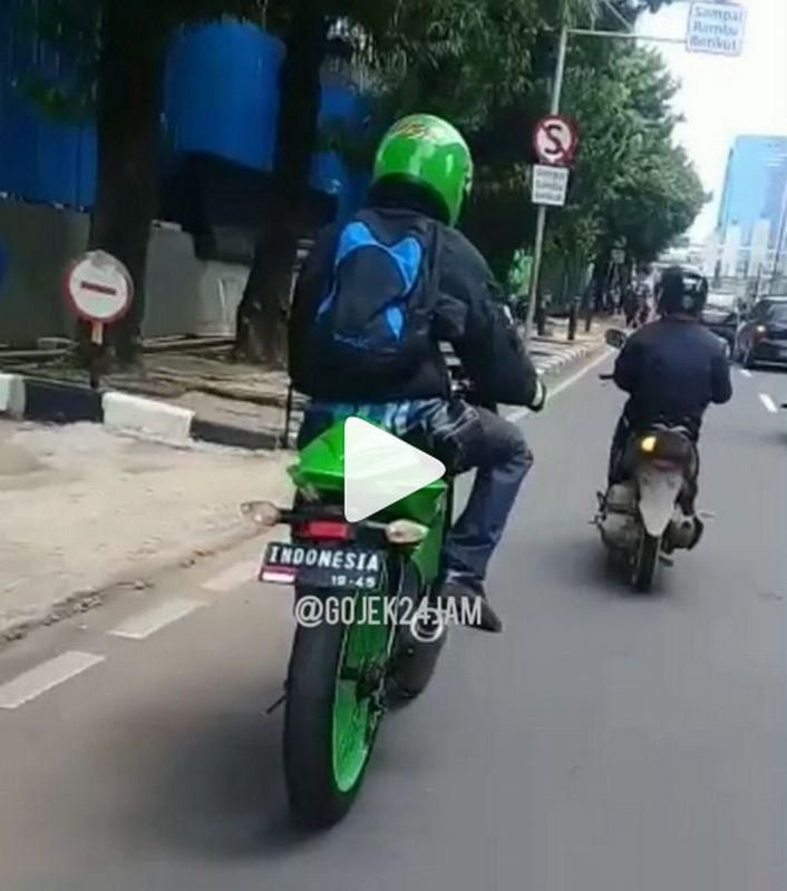 https: img-k.okeinfo.net content 2019 02 11 15 2016387 pria-ini-ciptakan-motor-sport-bertenaga-manusia-87Rw4PkqGT.jpg