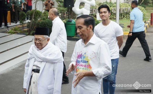 https: img-k.okeinfo.net content 2019 02 11 605 2016569 pemuda-adat-nusantara-deklarasi-dukung-jokowi-2-periode-pimpin-indonesia-300UPkISTu.jpg