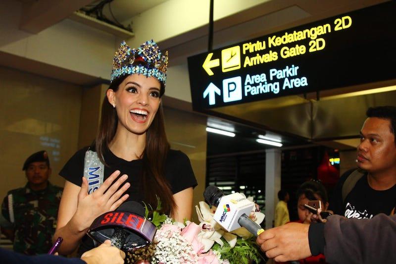 https: img-k.okeinfo.net content 2019 02 12 196 2016708 tiba-di-indonesia-miss-world-2018-vanessa-ponce-akui-orang-indonesia-ramah-ramah-Cc7rj501OD.jpeg