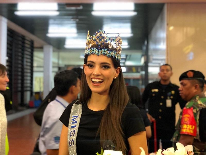 https: img-k.okeinfo.net content 2019 02 12 298 2017049 doyan-pedas-miss-world-2018-vanessa-ponce-ingin-cicipi-ayam-goreng-sambal-indonesia-prz66D7ovV.jfif