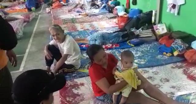 https: img-k.okeinfo.net content 2019 02 12 340 2016704 227-warga-masih-mengungsi-pascaerupsi-gunung-karangetang-VByePYmnwd.png