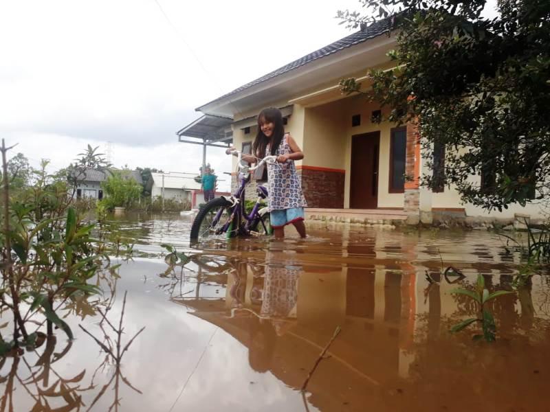https: img-k.okeinfo.net content 2019 02 12 340 2016856 hujan-deras-kota-pangkalpinang-kebanjiran-3Su3ynmr5S.jpg