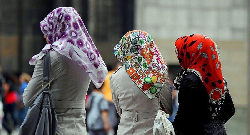 https: img-k.okeinfo.net content 2019 02 13 18 2017453 dua-mahasiswi-indonesia-diserang-di-australia-diduga-karena-mengenakan-jilbab-m2MQjbGuRq.jpg