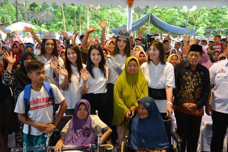 https: img-k.okeinfo.net content 2019 02 13 194 2017407 miss-indonesia-2018-dan-miss-world-2018-sambangi-korban-gempa-lombok-lNYPU1ZHTt.jpg