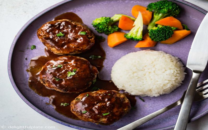 https: img-k.okeinfo.net content 2019 02 13 298 2017501 bukan-kentang-hamburg-steak-dari-jepang-disantap-dengan-nasi-Z9O4r5ozqs.jpg