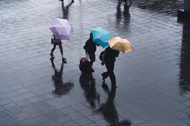 https: img-k.okeinfo.net content 2019 02 13 338 2017143 hujan-diprediksi-guyur-jakarta-di-siang-hari-cCrnTflVlI.jpg