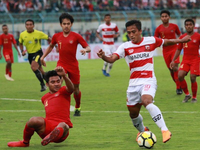 https: img-k.okeinfo.net content 2019 02 13 51 2017166 pelatih-madura-united-sebut-timnas-indonesia-u-22-dihuni-pemain-berkualitas-JIfSYuep6w.jpg