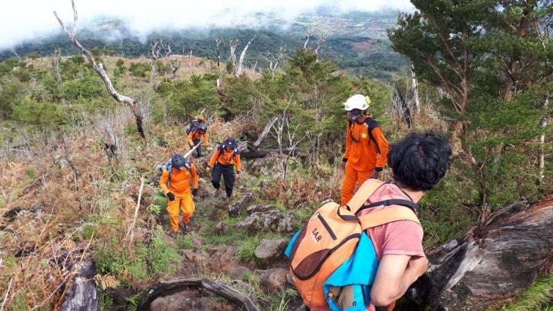 https: img-k.okeinfo.net content 2019 02 13 609 2017444 terpisah-dari-rombongan-seorang-pendaki-gunung-bawakaraeng-hilang-z1cwAcF9tb.jpg