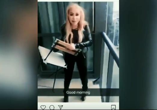 https: img-k.okeinfo.net content 2019 02 14 18 2017992 video-gadis-lempar-kursi-dari-lantai-45-apartemen-jadi-viral-pelakunya-ditangkap-vQcFMn6bxQ.jpg