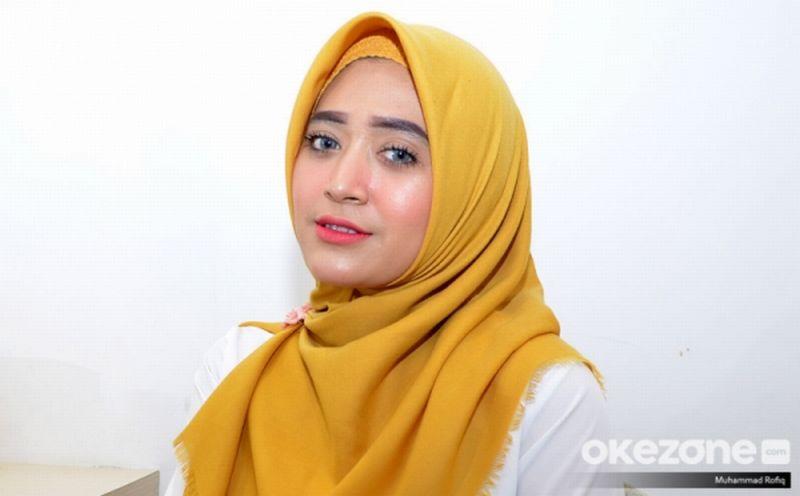 https: img-k.okeinfo.net content 2019 02 14 196 2017753 gak-susah-kok-jadi-youtuber-natasha-farani-berbagi-pengalamannya-nhAH6SZhqx.jpg