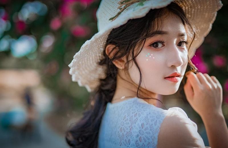 https: img-k.okeinfo.net content 2019 02 15 194 2018431 kulit-putih-jadi-standar-kecantikan-perempuan-asia-BWEfCjDCIh.jpg
