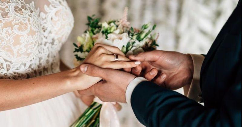 https: img-k.okeinfo.net content 2019 02 15 196 2018562 7-selebritis-yang-menikah-di-hari-valentine-siapa-saja-mereka-pq1KBKd9xD.jpg