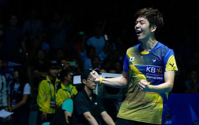 https: img-k.okeinfo.net content 2019 02 18 40 2019833 jadi-tandem-fajar-alfian-di-superliga-badminton-2019-begini-komentar-lee-yong-dae-L0LY3YlSBT.jpg