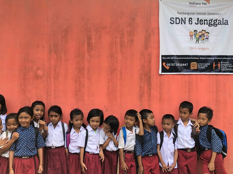 https: img-k.okeinfo.net content 2019 02 20 612 2020756 menengok-sdn-6-jenggala-lombok-utara-yang-terdampak-gempa-lokasinya-di-dalam-hutan-tZJhH4MaRg.jpeg