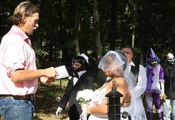 https: img-k.okeinfo.net content 2019 02 21 612 2021017 perempuan-ini-menikah-dengan-mayat-hidup-awal-kisahnya-tak-disangka-UfzD3HQksl.jpg