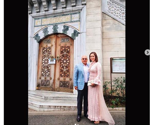 https: img-k.okeinfo.net content 2019 02 27 194 2023366 menikah-di-masjid-yang-sama-intip-kompaknya-maia-dan-suami-hadiri-pernikahan-syahrini-reino-Bh2KkH7Wji.png