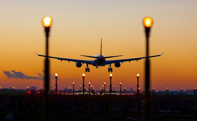 https: img-k.okeinfo.net content 2019 03 01 320 2024444 ikatan-pilot-optimistis-industri-penerbangan-ri-kondusif-YIxotP8YyN.jpg