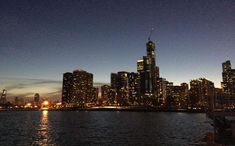 https: img-k.okeinfo.net content 2019 03 01 406 2024442 berencana-liburan-ke-chicago-4-tempat-ini-harus-masuk-list-wajib-dikunjungi-hj2r3CPB83.jpg