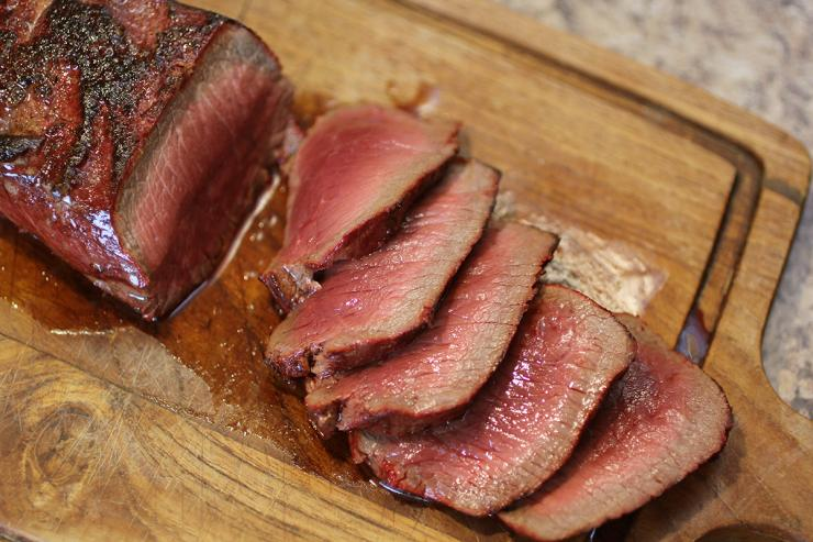 https: img-k.okeinfo.net content 2019 03 04 298 2025620 steak-dari-dry-aged-beef-dagingnya-lumer-di-mulut-fzt6ygTJJx.jpg