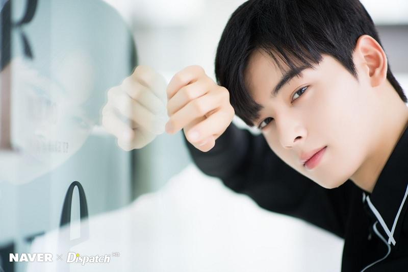 https: img-k.okeinfo.net content 2019 03 04 598 2025479 susul-shin-se-kyung-cha-eun-woo-pastikan-bintangi-goo-hae-ryung-GB4KX8449R.jpeg