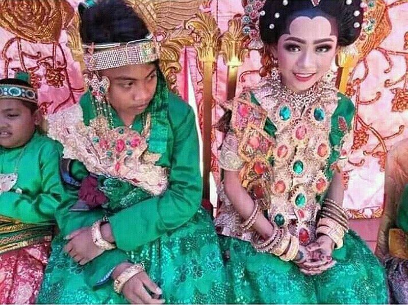 https: img-k.okeinfo.net content 2019 03 05 340 2026030 pernikahan-bocah-bau-kencur-jadi-viral-alasannya-agar-tidak-kabur-dari-rumah-f8PQBoDn5P.jpg