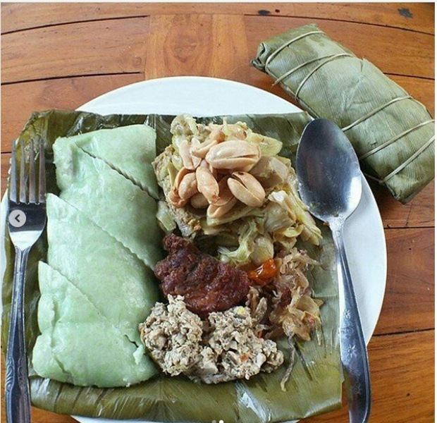 https: img-k.okeinfo.net content 2019 03 07 298 2027003 nikmat-menyantap-5-kuliner-ini-saat-nyepi-di-bali-IhogWagJAO.jpg