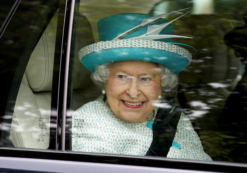 https: img-k.okeinfo.net content 2019 03 08 18 2027407 di-usia-92-tahun-ratu-elizabeth-ii-unggah-posting-instagram-pertamanya-uFHF3MnW20.jpg