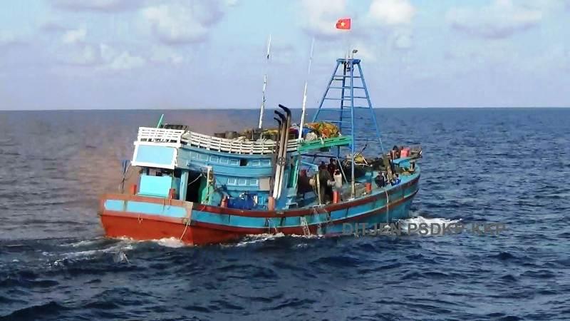https: img-k.okeinfo.net content 2019 03 10 337 2028180 curi-ikan-di-laut-natuna-kapal-berbendera-vietnam-ditangkap-Ga3OygZRM9.jpg