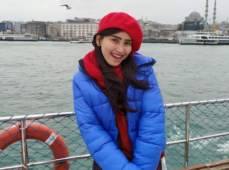 https: img-k.okeinfo.net content 2019 03 11 194 2028487 bawa-beras-ke-turki-outfit-ayu-ting-ting-harganya-fantastis-cpxrWqMT51.jpg