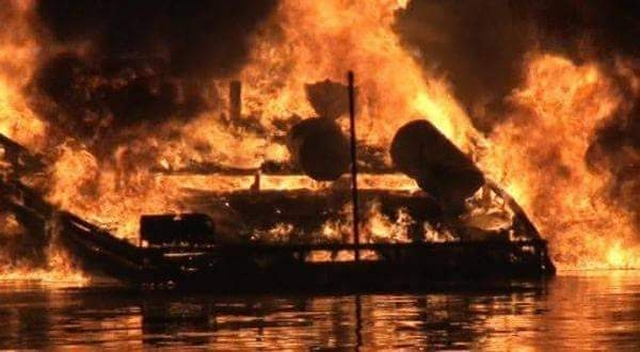 https: img-k.okeinfo.net content 2019 03 12 338 2028887 kapal-nelayan-terbakar-di-kepulauan-seribu-3-orang-tewas-dan-1-hilang-za67kT7mSX.jpg