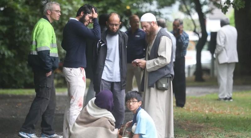 https: img-k.okeinfo.net content 2019 03 15 18 2030253 terdengar-lebih-dari-20-tembakan-di-masjid-christchurch-selandia-baru-saat-salat-jumat-WWzpegWMuZ.jpg