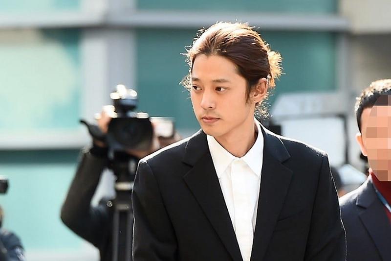 https: img-k.okeinfo.net content 2019 03 15 33 2030327 jalani-investigasi-pertama-jung-joon-young-diperiksai-selama-21-jam-hnFAjVrKqE.jpg