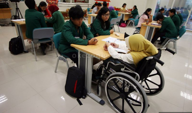 https: img-k.okeinfo.net content 2019 03 15 65 2030421 kabar-gembira-pemerintah-siapkan-beasiswa-untuk-penyandang-disabilitas-S8WVfw48tq.jpg