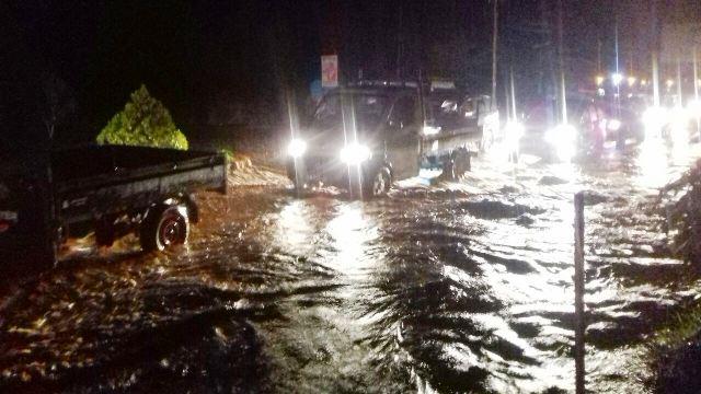 https: img-k.okeinfo.net content 2019 03 17 340 2030991 kendaraan-jembatan-hingga-rumah-warga-di-sentani-rusak-diterjang-banjir-bandang-otuEri1CZM.jpg