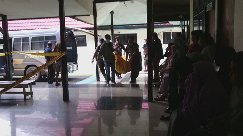 https: img-k.okeinfo.net content 2019 03 17 340 2031054 polda-papua-sebut-ada-28-korban-meninggal-akibat-banjir-bandang-sentani-wkl2zm3Ftn.jpg