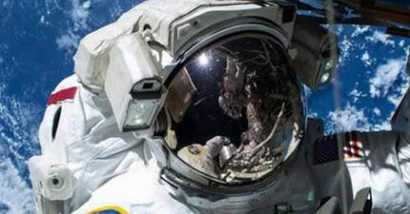 https: img-k.okeinfo.net content 2019 03 19 56 2032319 astronot-stres-saat-perjalanan-luar-angkasa-picu-aktivasi-virus-EIFmajFFWc.jpg