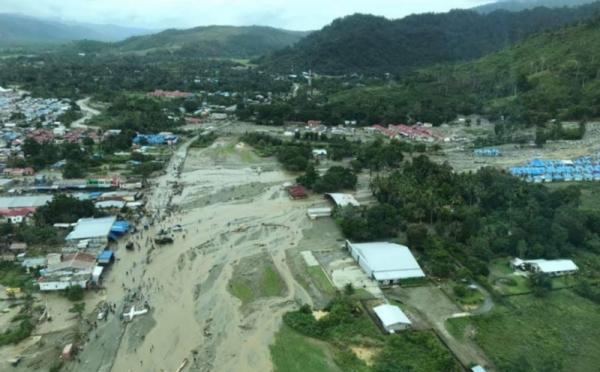 https: img-k.okeinfo.net content 2019 03 20 340 2032575 banjir-bandang-sentani-104-orang-tewas-160-luka-dan-79-hilang-gFx0tQfoKX.jpg