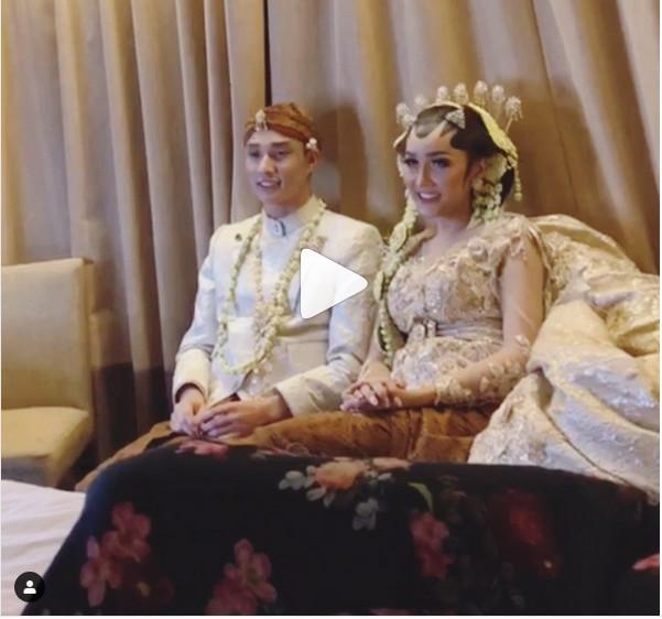 https: img-k.okeinfo.net content 2019 03 21 194 2032967 lucinta-luna-menikah-netizen-malam-pertama-main-pedang-pedangan-nVuTpYBH77.jpg