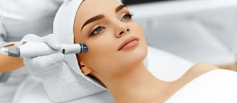 https: img-k.okeinfo.net content 2019 03 23 611 2034077 perawatan-wajah-paling-laris-perempuan-bisa-cantik-tanpa-operasi-plastik-aJu0M26O70.jpg
